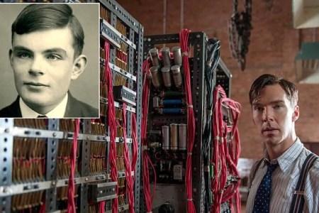Benedict Cumberbatch, como Alan Turing (recuadro), en The Imitation Game
