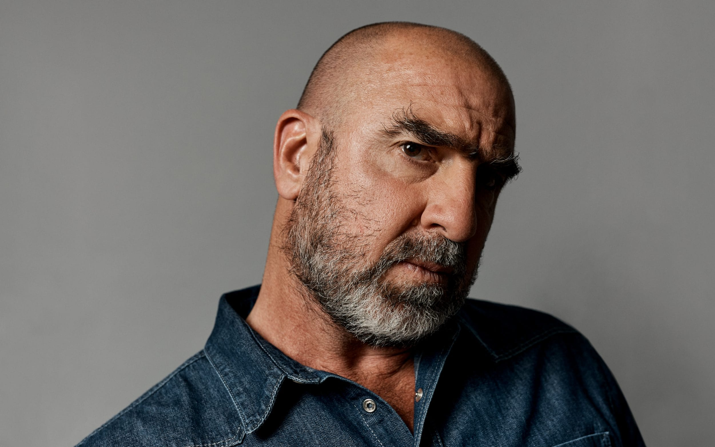 Se the united way with eric cantona online här. Eric Cantona People Want Footballers To Be An Example I M Not An Example