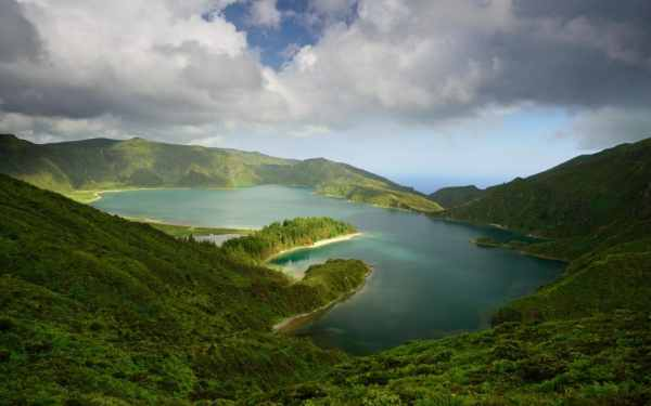 discover dramatic landscape
