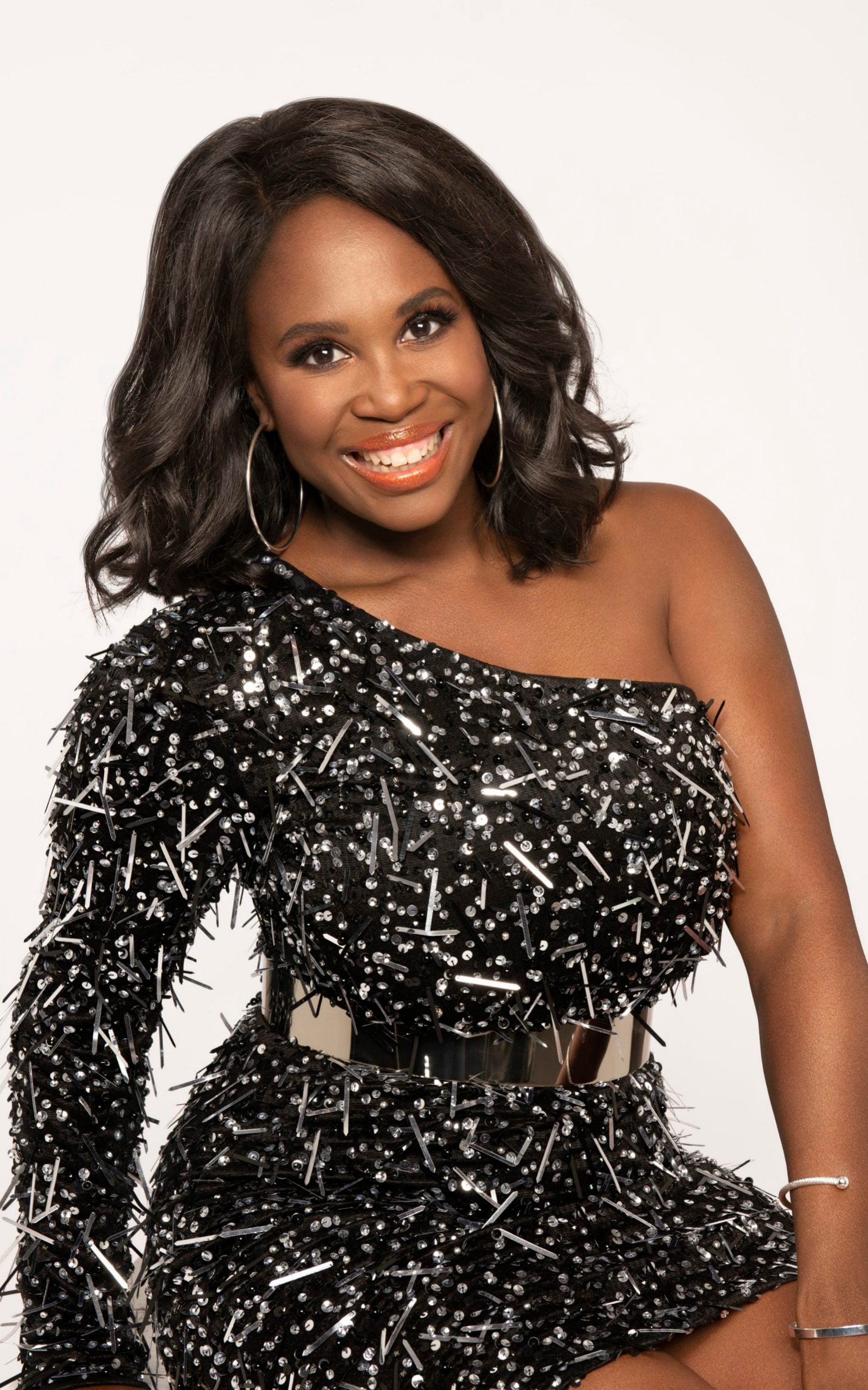 Does Motsi Mabuse Get A 10 As Strictly Come Dancing S New