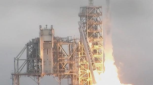 Nasa launches SpaceX Dragon rocket to the International ...