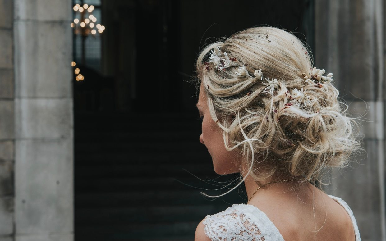 How To Choose A Bridal Hair Stylist And What You Should Ask