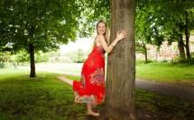 Gwyneth Paltrow Barefoot