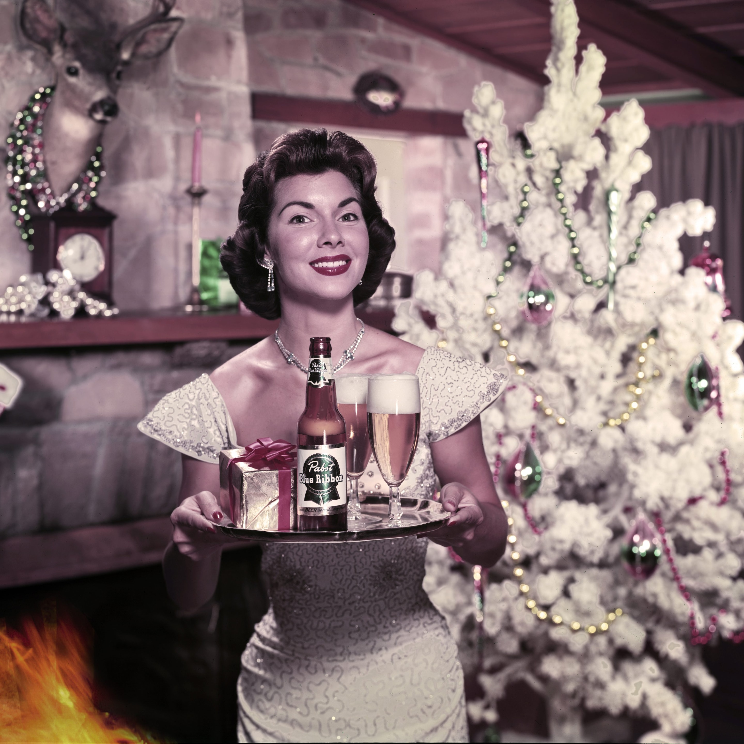 Why Does Christmas Turn Modern Women Into 1950s Housewives
