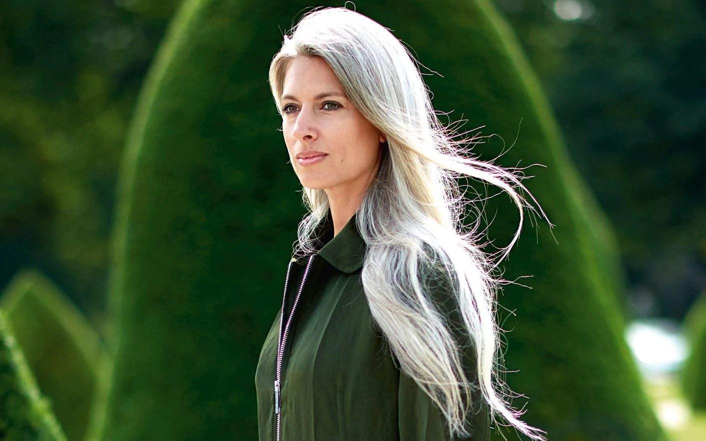 sarah harris ve grey hair