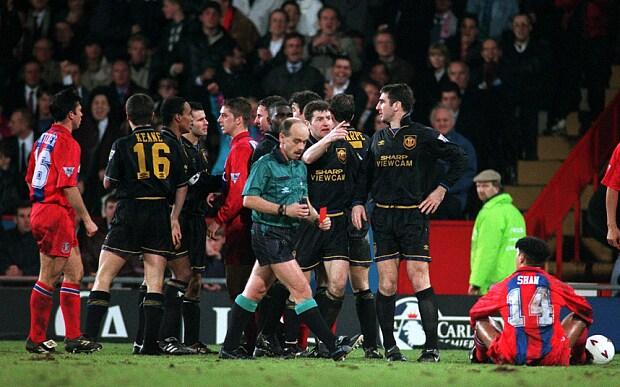 Un footballeur argentin se prend pour eric cantona et se la. Eric Cantona Kick Where Are They Now