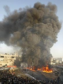 The UN Security Council has called for an immediate end to all violence in Gaza after fresh Israeli air strikes against Palestinian targets have brought the death toll to more than 270 people.