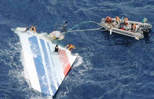 Brazilian Navy divers recover a huge part of the rudder of the Air France A330 aircraft lost in midflight over the Atlantic ocean
