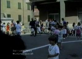 Giochi in piazza con i bambini a MasonEstate del 1993