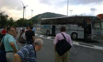 autobus in panne all'autogrill