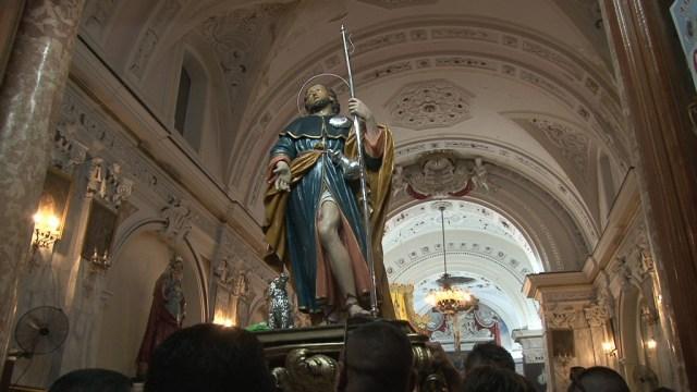 festa gioiosa statua