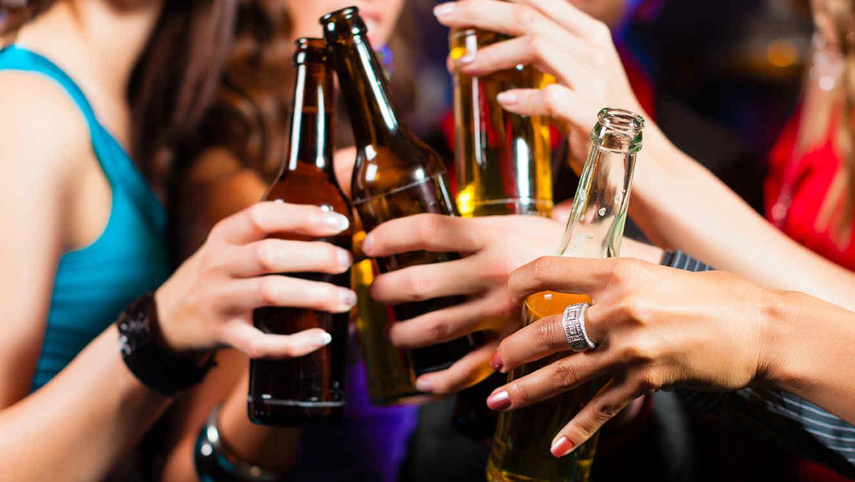 Tomar cerveza tiene beneficios para la salud  Telemundo