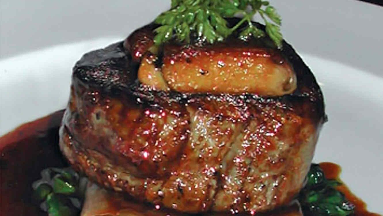 Medallones de carne en salsa madeira  Telemundo