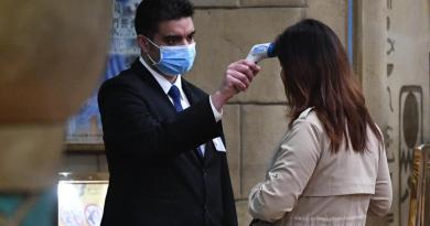 Virus Cina, terzo caso in Francia
