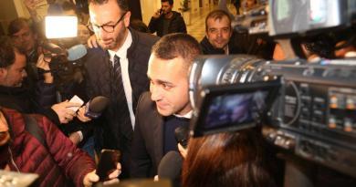 """M5S, padre spirituale Di Maio: """"Decisione prudente"""""""