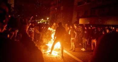 Proteste negli Usa, morti un agente e un manifestante