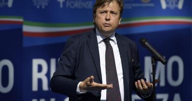 "Sileri: ""Deputati bonus pezzenti nell'animo"""