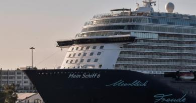Covid, al Pireo nave da crociera tedesca con casi positivi a bordo