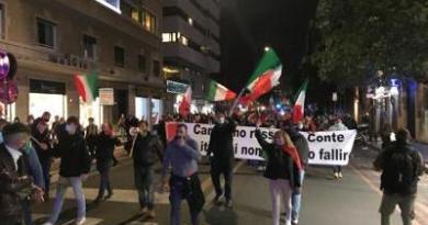 Roma, scontri a manifestazione piazza del Popolo