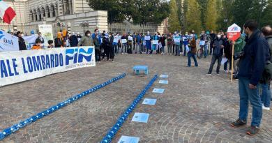Covid Milano, la protesta anti-Dpcm di palestre e piscine