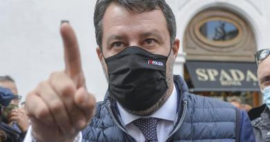 """Nuovo Dpcm 3 dicembre, Salvini: """"Dividono italiani a Natale"""""""
