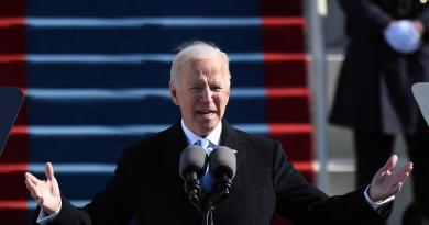 """""""Mettere fine a guerra incivile"""", appello all'unità di Biden"""