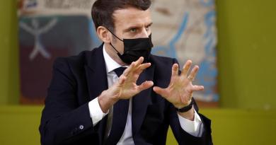 Covid Francia, obbligo tampone per chi arriva dall'estero