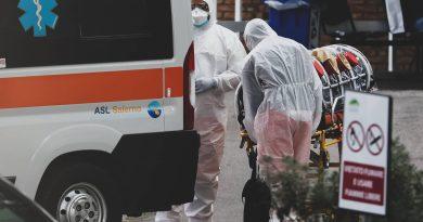 Covid Campania, 2.560 nuovi casi e 13 morti: il bollettino