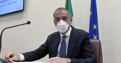 """Covid, Costa """"A giugno potremmo abolire il coprifuoco"""""""