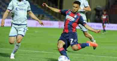 Prova d'orgoglio per il Crotone, battuto 2-1 il Verona