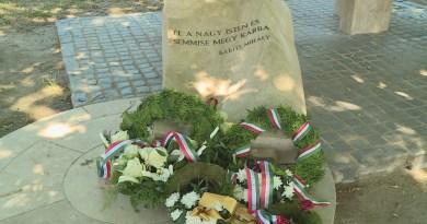 День памяти «Трианон 100» – жизнь останавливается на минуту в Пакше