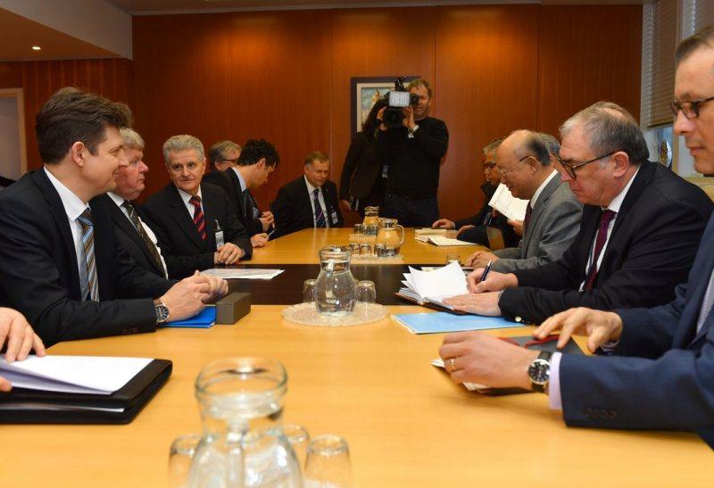 Tárgyalás a NAÜ bécsi székházában. Fotó: IAEA