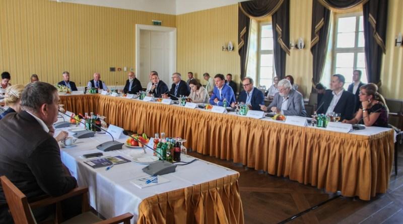 Pakson tartott kihelyezett ülést az Országgyűlés gazdasági bizottsága. Fotó: www.paks2.hu