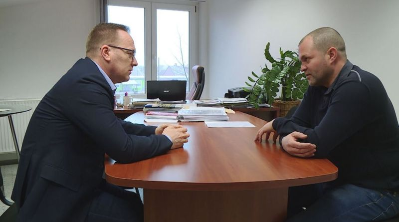 Szabó Péter, Paks polgármestere (b.), és dr. Sárosi József, a DC Dunakom Zrt. ügyvezetője (j.). Fotó: TelePaks