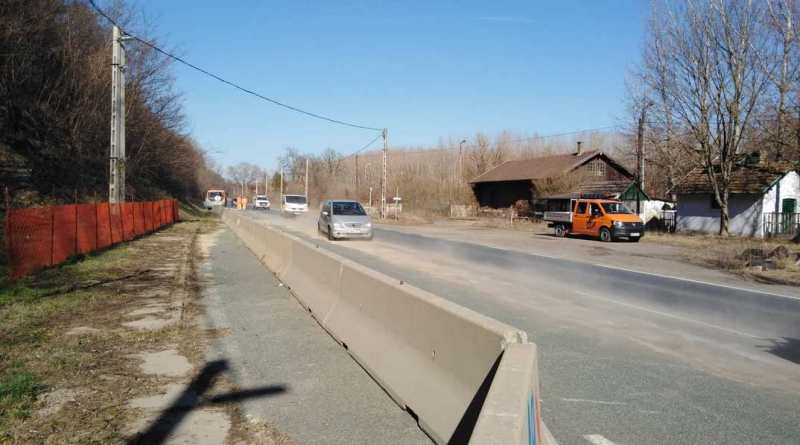Feloldották a félpályás forgalomkorlátozást. Fotó:TelePaks