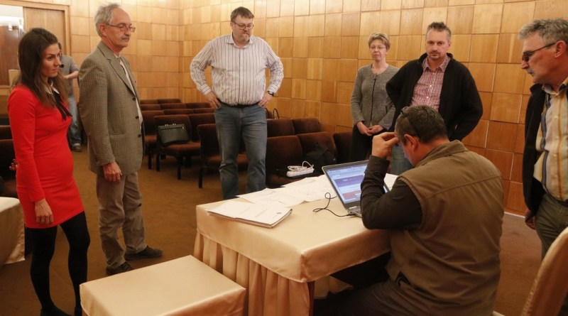 Megkezdték a kőfogó műszaki átadás-átvételét. Fotó: Molnár Gyula/Paksi Hírnök