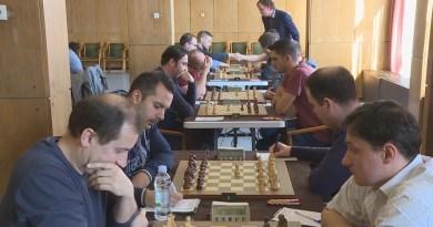 Győztek az ASE sakkcsapatai