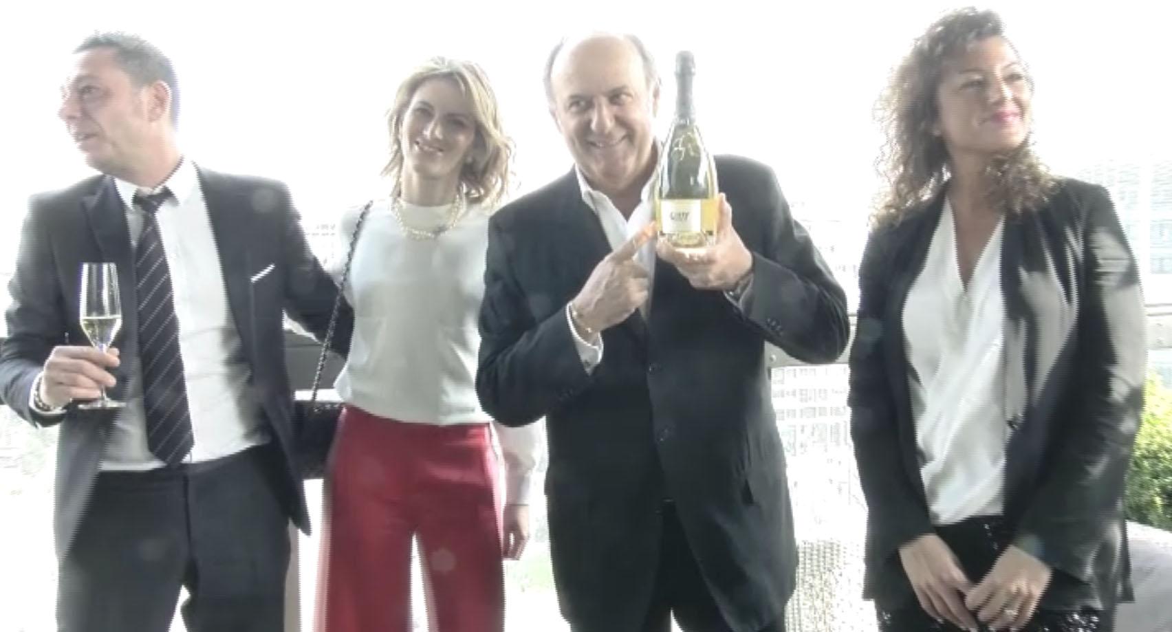 Presentate sulla terrazza del Gallia a Milano le bollicine vip firmate da Gerry Scotti