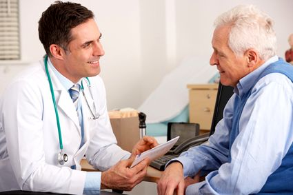 medico-s15x10-sorride-paziente-1