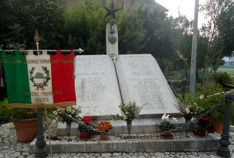 squille-monumento-952-466x315
