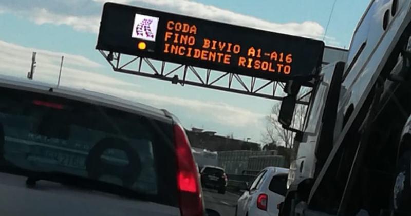 Code alla svicolo per Afragola. Grave incidente rallenta il traffico - Belvedere News - Alessandro Fedele