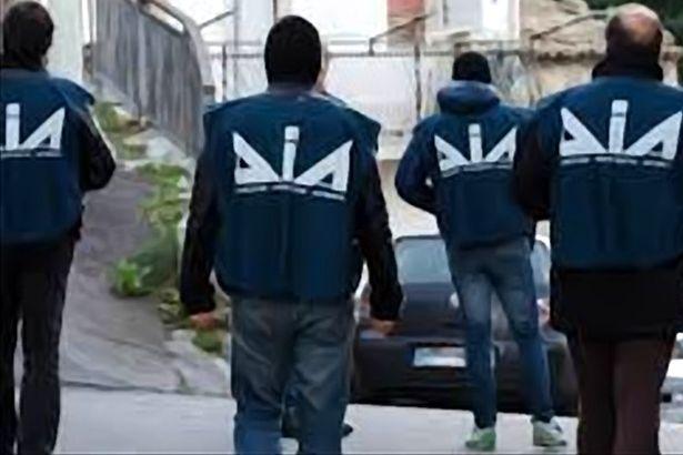 Da Casapesenna alla Calabria due arresti per tentata estorsione aggravata da metodi mafiosi