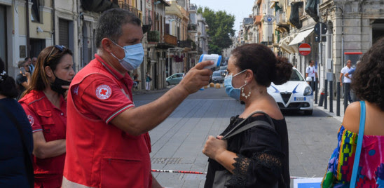 COVID: IN ITALIA 1.273 NUOVI CASI E 65 MORTI, IL TASSO DI POSITIVITA' STABILE ALL'1,5%