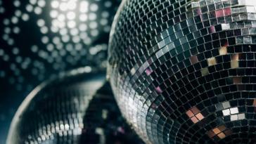 Après Jean-Michel Jarre à l'Élysée, la reprise de la musique électronique et la relance des discothèques ?