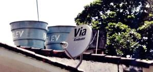 Antena de Via Embratel en una residencia de Jaboatão dos Guararapes, Pernambuco, Brasil. Imagen: Ícaro Messias Santos/Flickr.