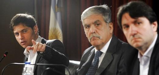 El ministro de Economía, Axel Kicillof, el ministro de Planificación Federal, Julio De Vido, y el secretario de Comunicaciones, Norberto Berner. Imagen: Presidencia Argentina.