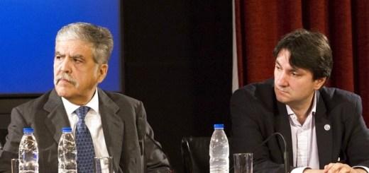 El secretario de Comunicaciones, Norberto Berner (derecha), junto al ministro de Planificación Federal Julio De Vido. Imagen: Minplan.
