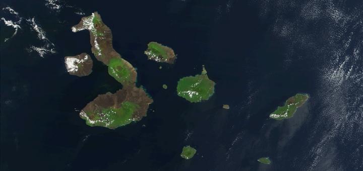 Vista satelital de Galápagos. Imagen: CarolSpears/Wikimedia