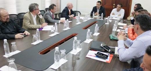 Reunión entre el gobierno y representantes del sector por la suba de tarifas. Fuente: Ministerio del Poder Popular para Educación Universitaria, Ciencia y Tecnología.