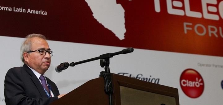 El viceministro de Comunicaciones de Perú, Carlos Valdez Velásquez, disertó en Telecom Forum. Imagen: MTC.